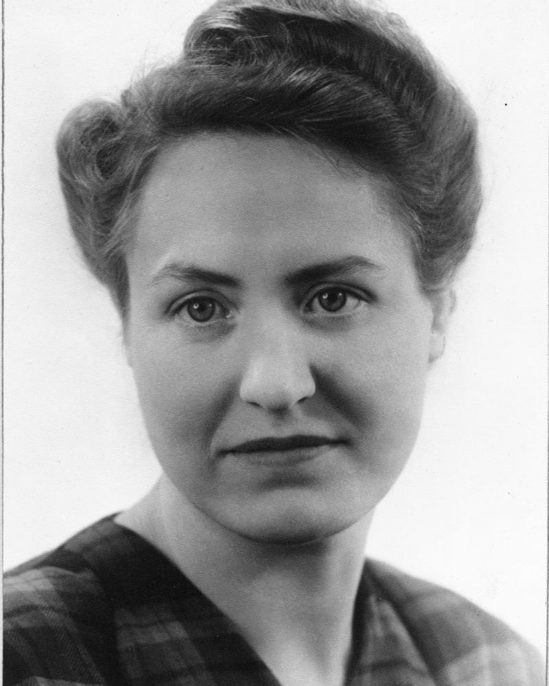 Gunnel Wikander  f Heikel  (1911-1973)  ca 1943 i Lund