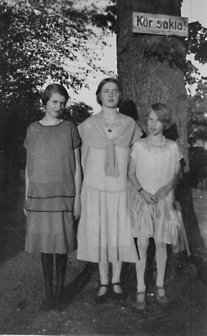 Gunnel (1911), Inga (1908)) och Ulla (1915)  Heikel,
