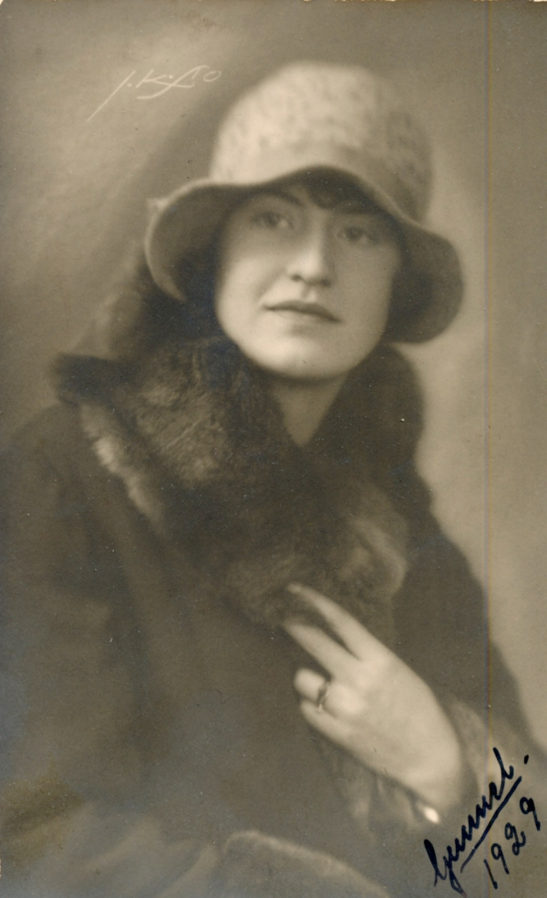 Gunnel Heikel född 1911 här år 1929