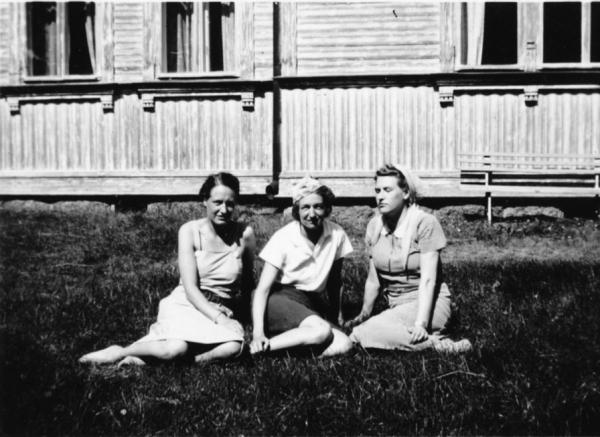 Tre systar Heikl, från vänster, Gunnel, Inga och Ulla.