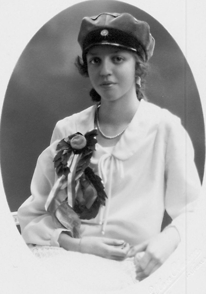 Ulla Marianne Wikander tog realexamen 1927,