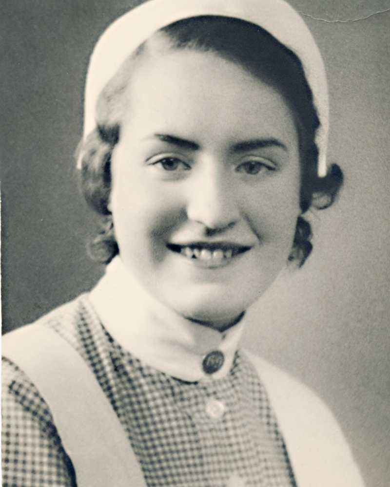 Gunnel  Heikel Röda nyexaminerad Korssjuksköterska i Helsingfors